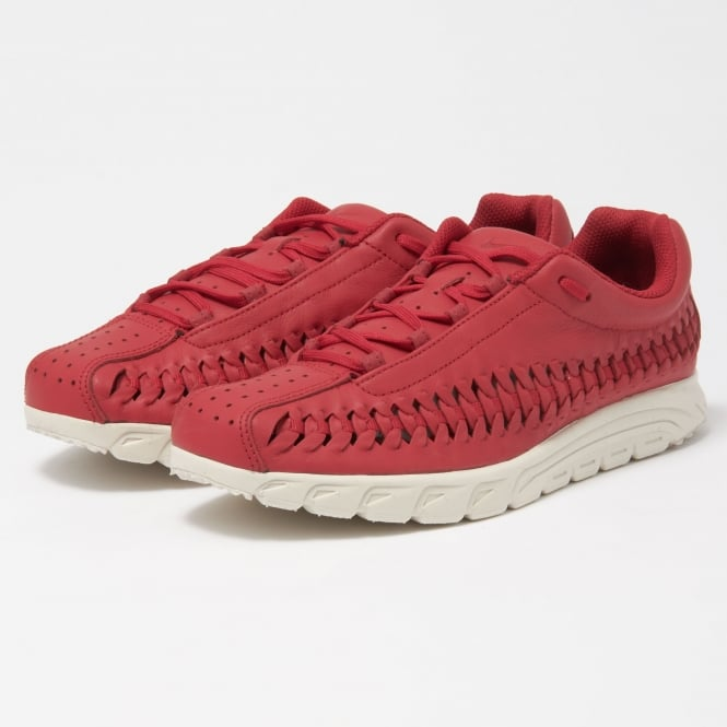 Nike Gym Red Mayfly Woven