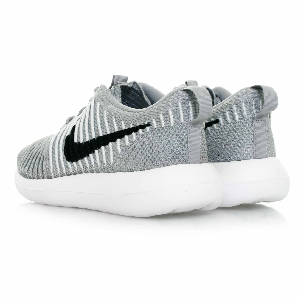 A First Look at the Nike Roshe Two Flyknit 365 Llobet de Fortuny