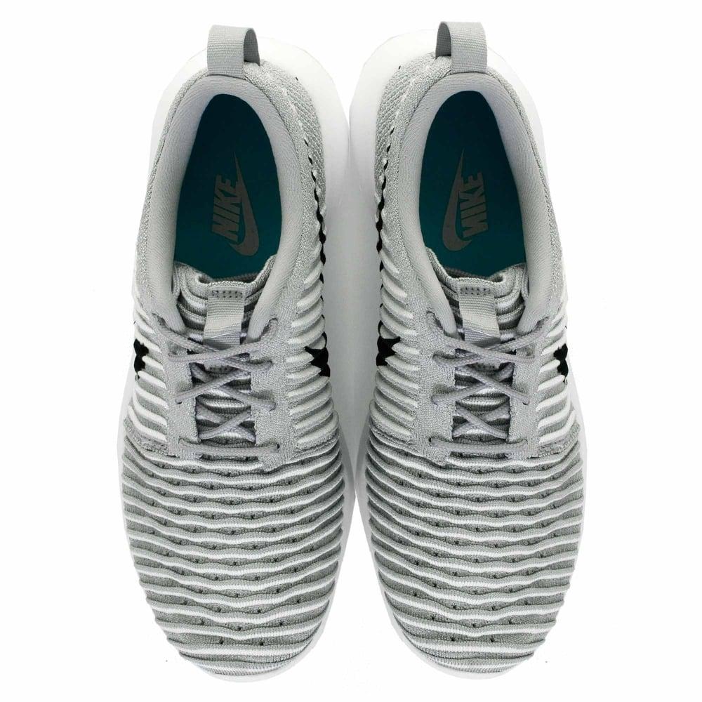 Women Cheap Nike W Cheap Nike Roshe Two Trainers in Blue Copa