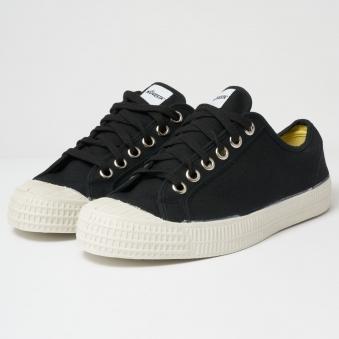 Novesta Footwear  Star Master - Black