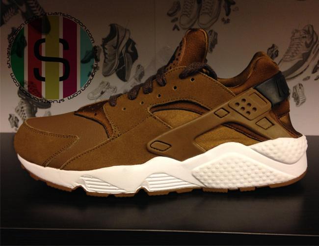 Nike-Huarache-318429-301