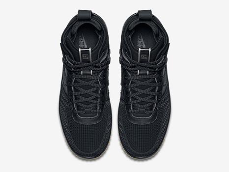 Nike-Duckboot