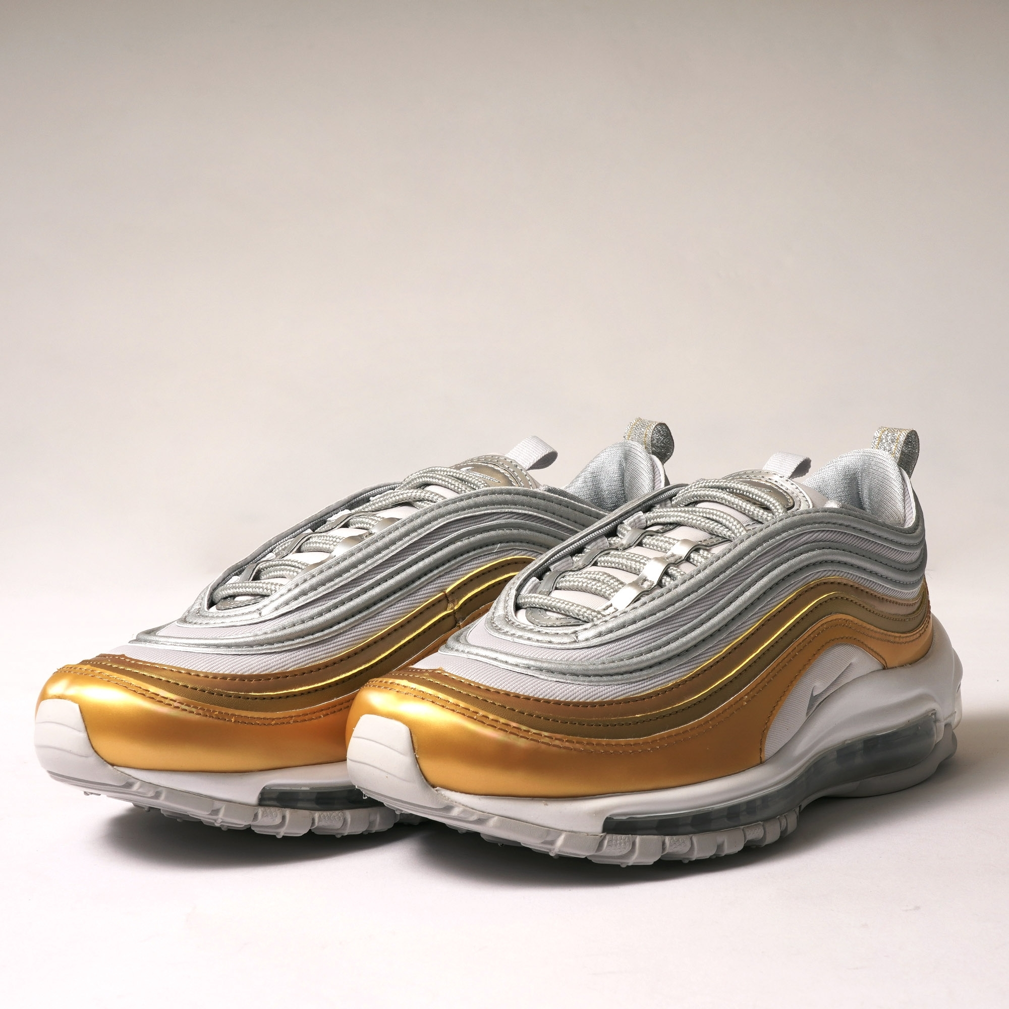 Air Max 97 SE Grey, Silver, Gold & White