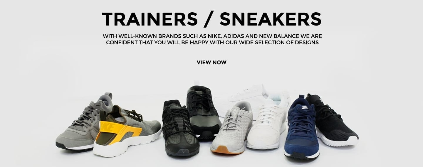 Trainers/Sneakers