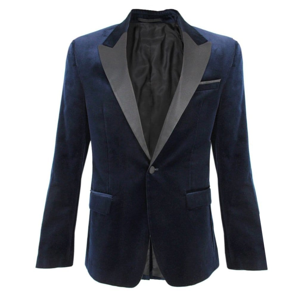 A Blue velvet Blazer would be the perfect for everybody, but since we believe in made-to-measure we give you the possibility to adjust the to your likings. When the fabric and color are the right match for you, you can start adjusting the details, like Pockets, Buttons, Lapels and many more.