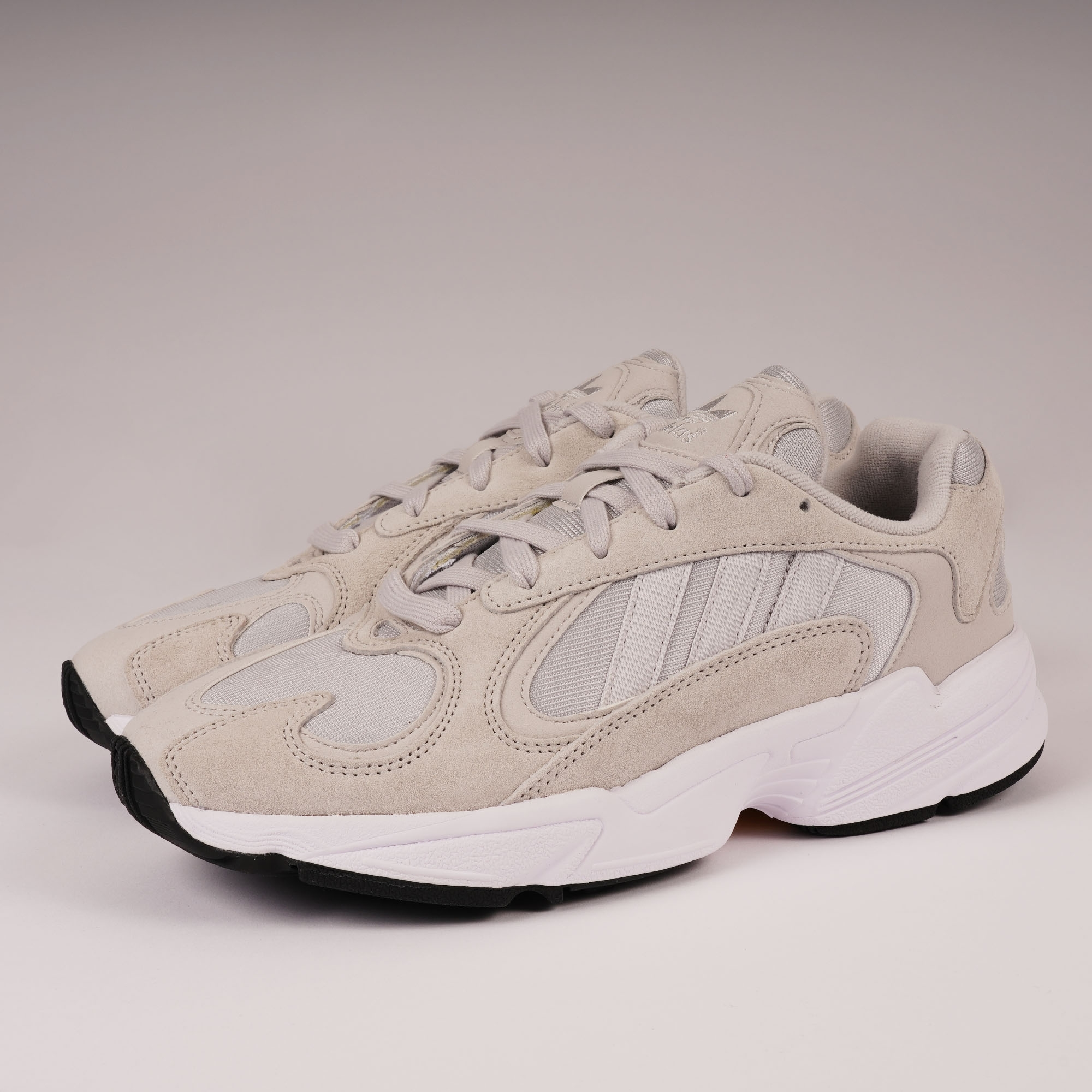 sneakers designer fashion detailing Yung-1 - Grey One & FTWR White